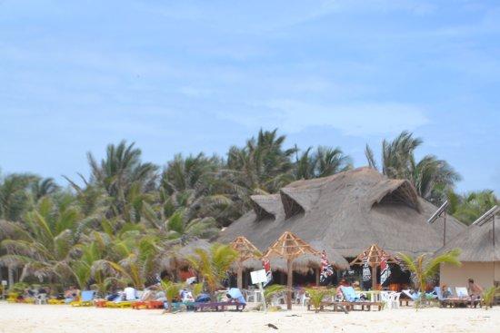 El Pescador: Beach & Mexican Platter