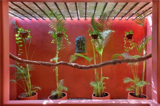 PinkCoco Bali: Garden room bath room