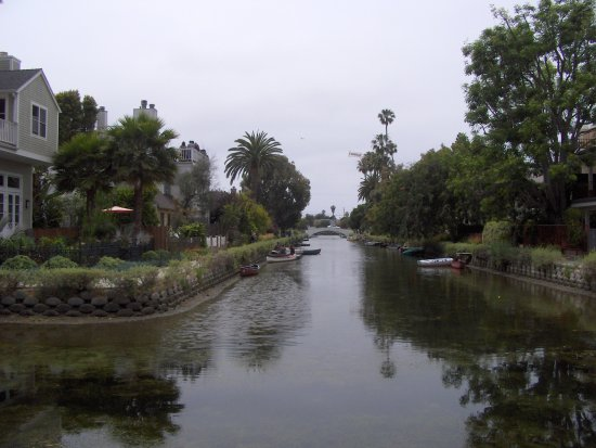 Venice Canals Walkway : a view