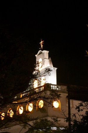 Hotel Patio Andaluz: Old Town Quito at night