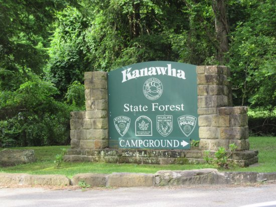 Kanawha State Forest: Entrance