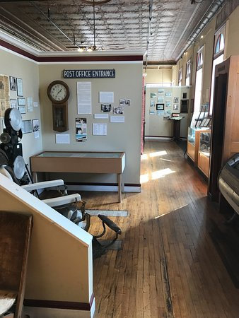 Jerome Historical Society Mine Museum: displays