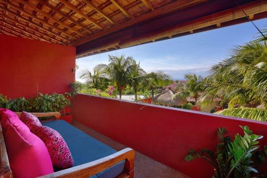PinkCoco Bali: horizon balcony