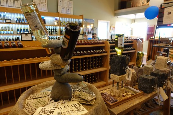 Bolton, MA: Another shop of the wine shop at Nashoba - interior