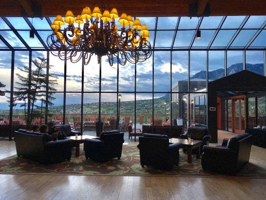 Cheyenne Mountain Resort: Main lodge