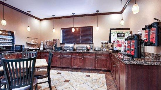 Athens, TX: Breakfast Area