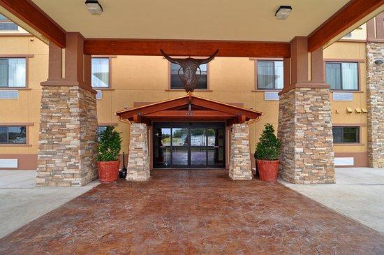 Athens, TX: Entrance