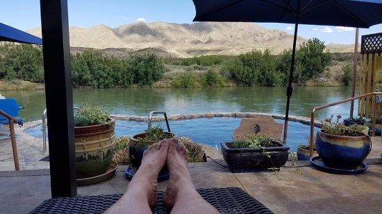 Riverbend Hot Springs照片