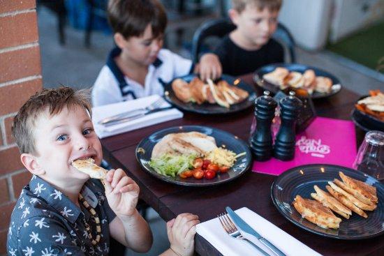 Mermaid Beach, Австралия: Healthy Kids Menu available