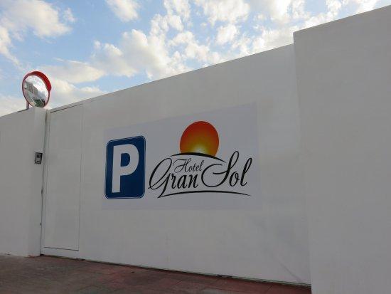 Hotel Gran Sol: Parking
