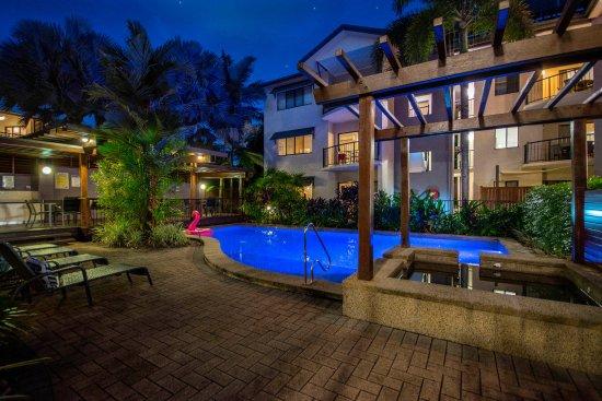 Bay villas resort au 224 a u 2 4 5 2018 prices reviews port douglas photos of resort - Hotel port salins 4 empuriabrava ...