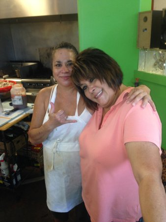Savage Shrimp: These Women KNOW how to cook it right