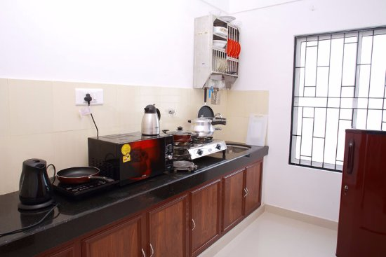 Phils' Residency: Kitchen