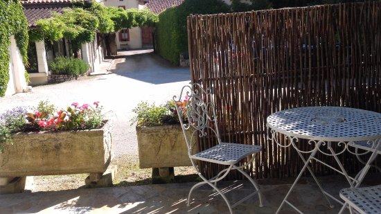 Le Moulin De Vigonac: terrasse de la chambre n°15