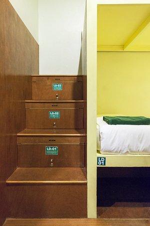 Suneta Hostel Khaosan: 6 beds Lady dorm