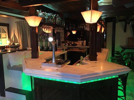 Mini mini bar cala millor restaurant reviews phone number photos tripadvisor - Mini bar cuisine ...