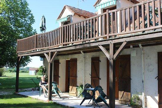 Chouzy-sur-Cisse, France : vue des duplex