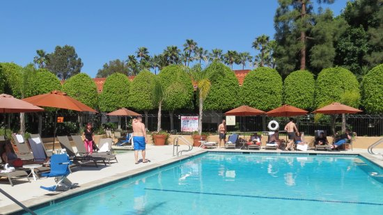 Palm garden hotel thousand oaks kalifornien omd men for Garden oaks pool