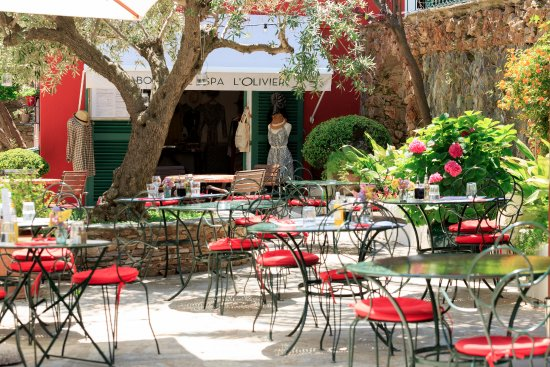 Brando, Francja: Patio