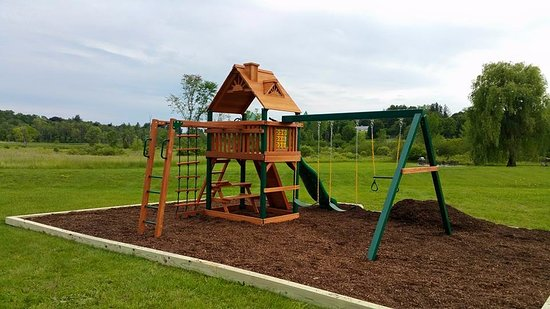 Sharon, CT: Children's play area