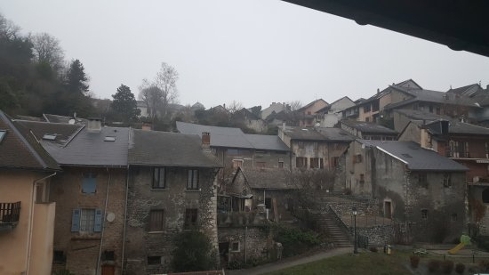 Montmelian, Francja: 20161203_080414_large.jpg