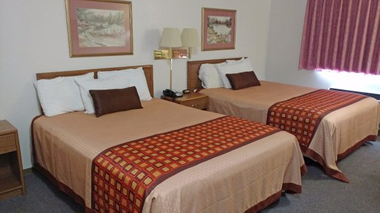 Finlayson, MN: Two Double Beds