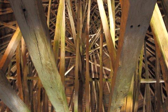 Osterlars Rundkirke: Roof Beams