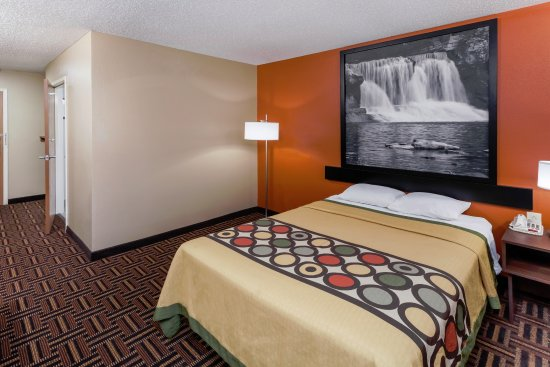 1 Full Size Ada Room - Picture Of Super 8 By Wyndham Rochester  Rochester
