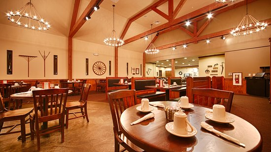 The Olde Mill Restaurant: Dining room