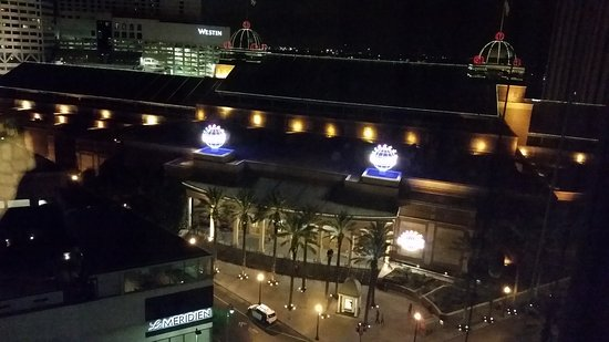 Loews New Orleans Hotel: City view room