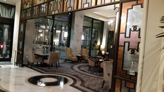 Loews New Orleans Hotel: Lobby