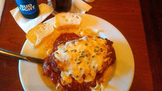 Milton, FL: Tasteless Chicken Parmesan