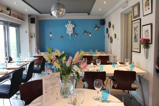 Broseley, UK: Inside the small ground floor dining room