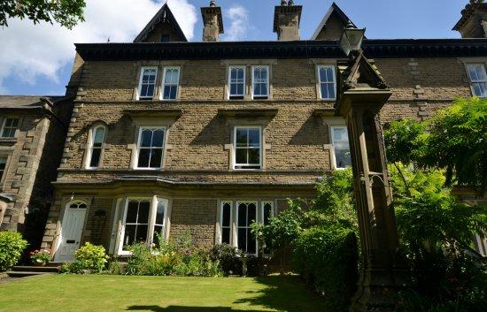 Glendon Guest House