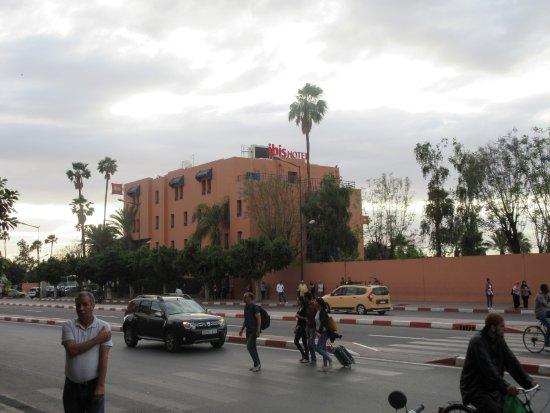 Ibis Marrakech Centre Gare : dall'esterno