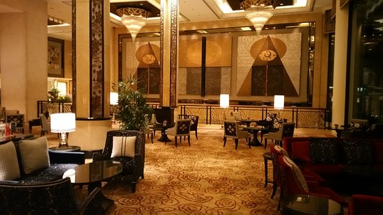 Shangri-La Hotel,Bangkok: 20170528_225635_large.jpg