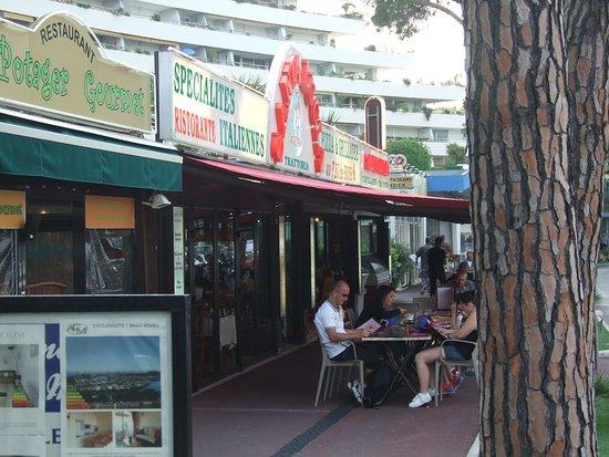 Restaurant Santa Lucia Dans Villeneuve Loubet Avec Cuisine