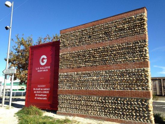 La Galerie - Geant Arles