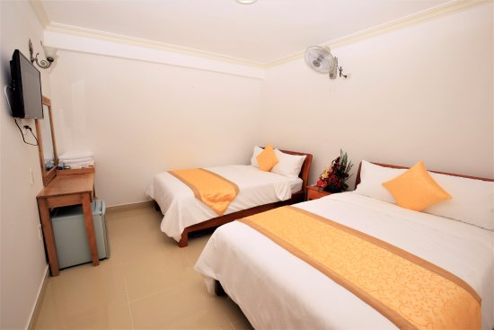 Lovely Phu Tho Hotel: Double Room With Two Double Beds