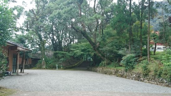 Satsuma-gun, Japan: 緑が多く気持ちがいい境内