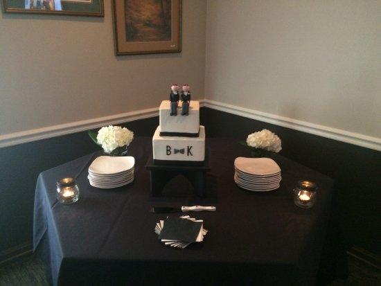 Stonewalls Restaurant: Cake table