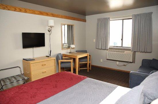 Butte, MT: One Queen Bed