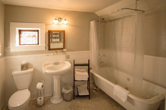 Quincy, Californie : Hideaway Cottage bathroom.