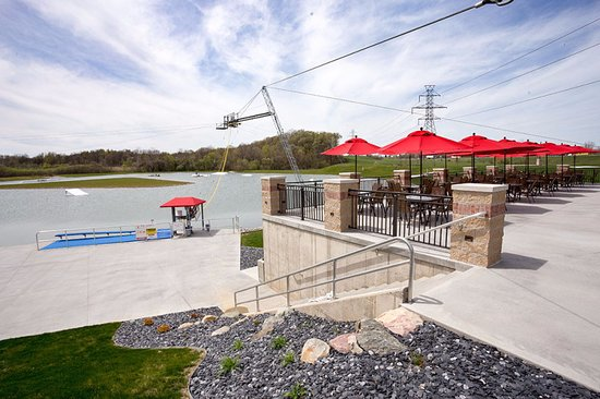 Hudsonville, MI: The upper patio offers great views of all the watersports action