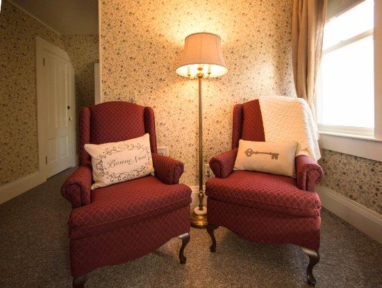 Quincy, Californie : Edward's Room sitting area.