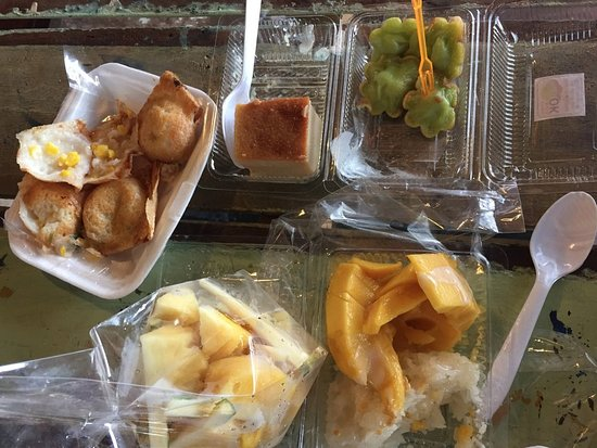Chili Paste Tour: Knom Krok, pineapple, other desserts