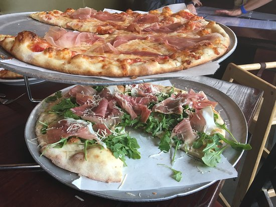 Middletown, CT: Top is a regular pizza with proscuitto. The bottom one is the crispy Artisan pizza with prosciut