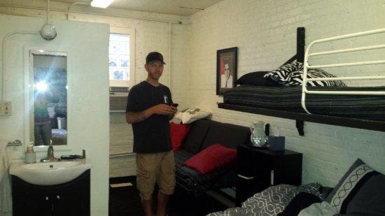 Jailer's Inn Bed and Breakfast : Inside our room