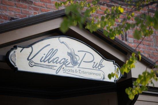 Lexington, MI: Village Pub