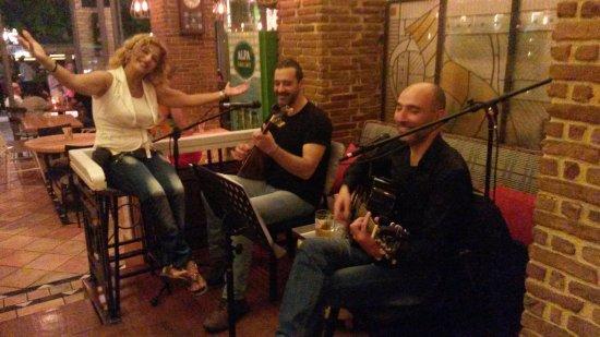 Ydria: Yrène et ses musiciens